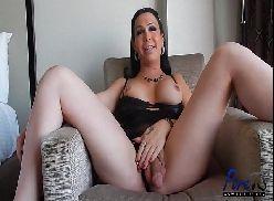 Transexual safada se masturbando gostoso