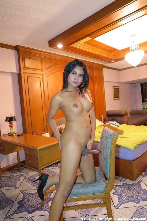 Fotos de travesti amadora pelada abrindo o cuzinho